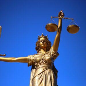 Adwokat od spraw spadkowych – w czym pomoże?