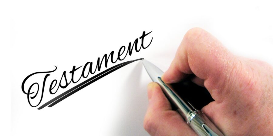 Dlaczego spisując testament warto skorzystać z porady prawnika?